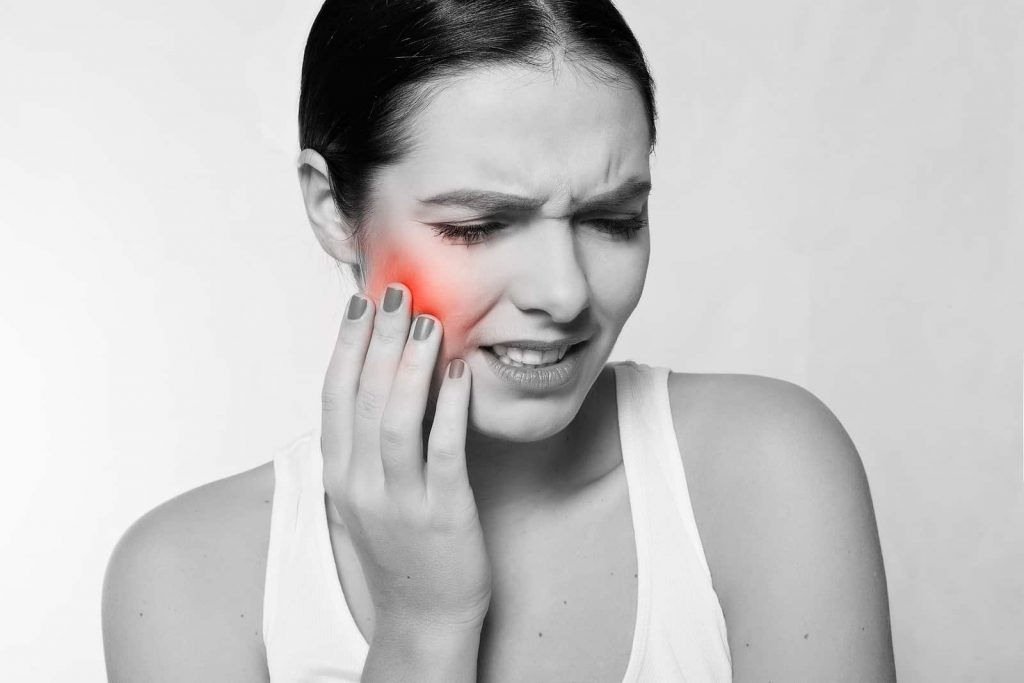 What Is TMJ Syndrome And How Can Chiropractors Help?
