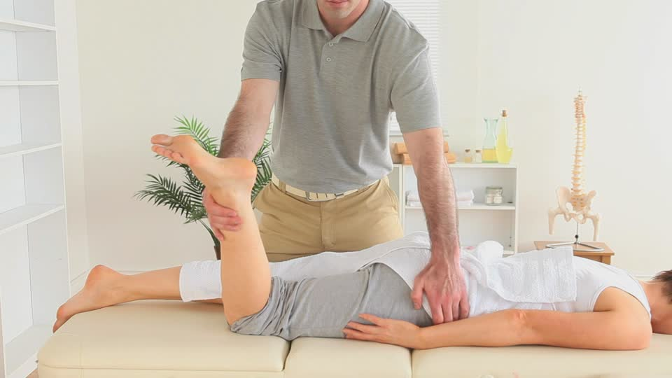 Chiropractors Performing Adjustments in Chicago IL
